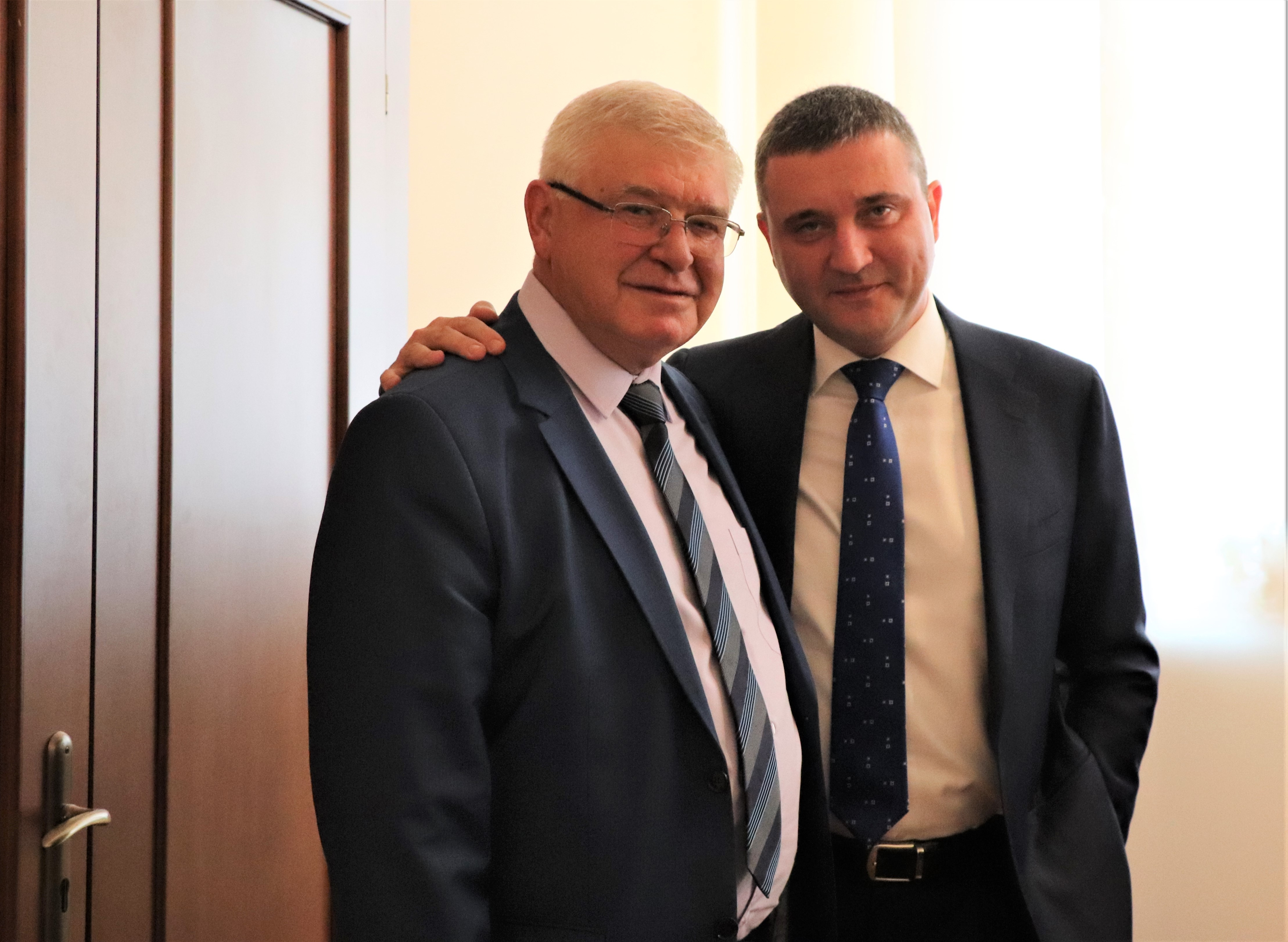 Minister of Finance Kiril Ananiev and the former Minister of Finance Vladislav Goranov