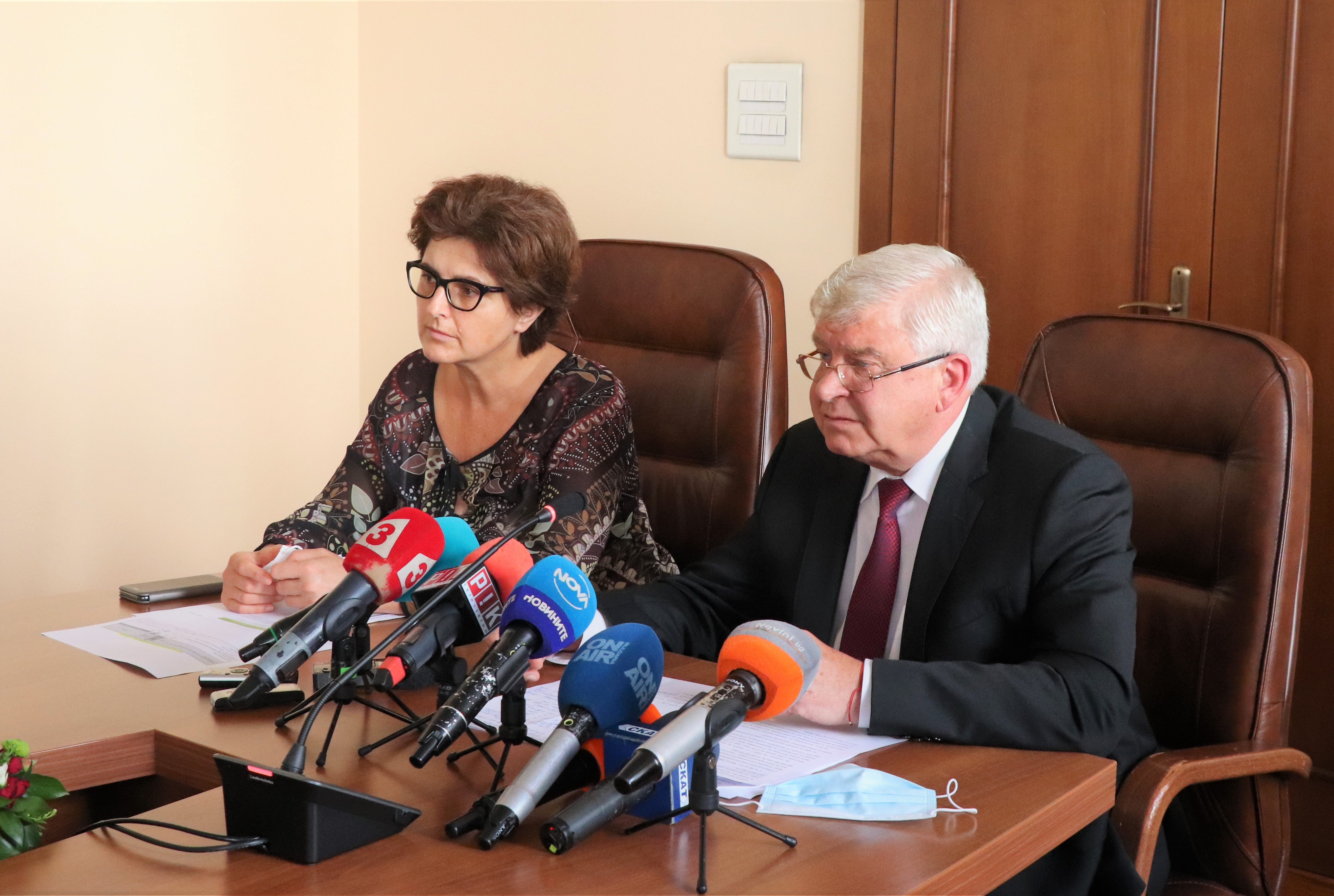 Minister of Finance Kiril Ananiev and Deputy Minister of Finance Marinela Petrova